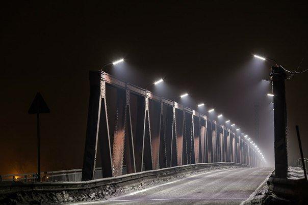 Мост с прожекторами